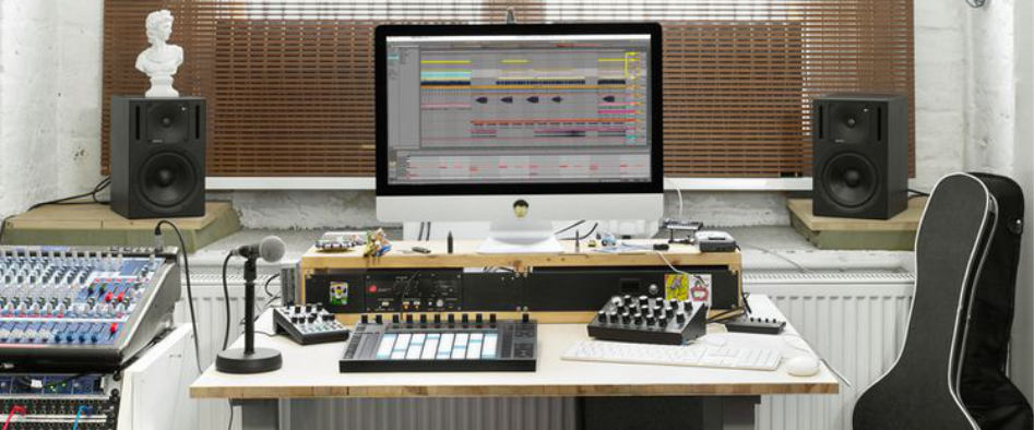 best program for live. Ableton Live