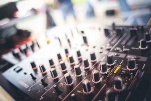 escuelas de DJ